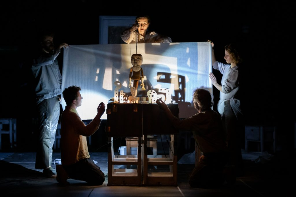 Predstavenie Bratislavského bábkového divadla Príbehy stien